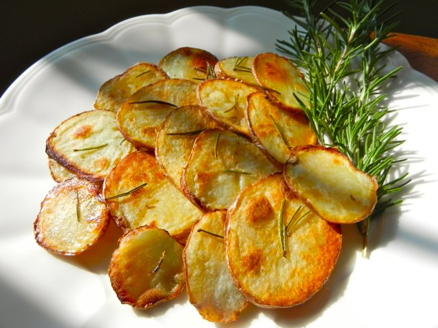 SimplyDeliciousLiving.TV's Roasted Rosemary Potatoes